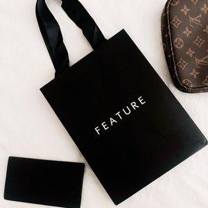 ✨ Black matte feature shopping bag ✨